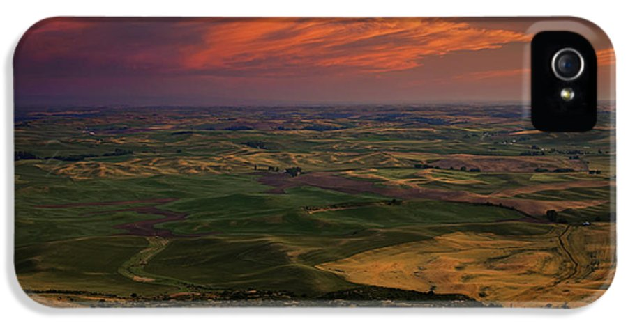 Palouse IPhone 5 Case featuring the photograph Red Sky Over The Palouse by Mike Dawson