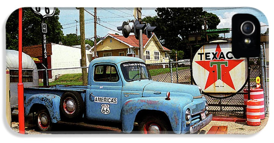66 IPhone 5 Case featuring the photograph Route 66 - Gas Station With Watercolor Effect by Frank Romeo