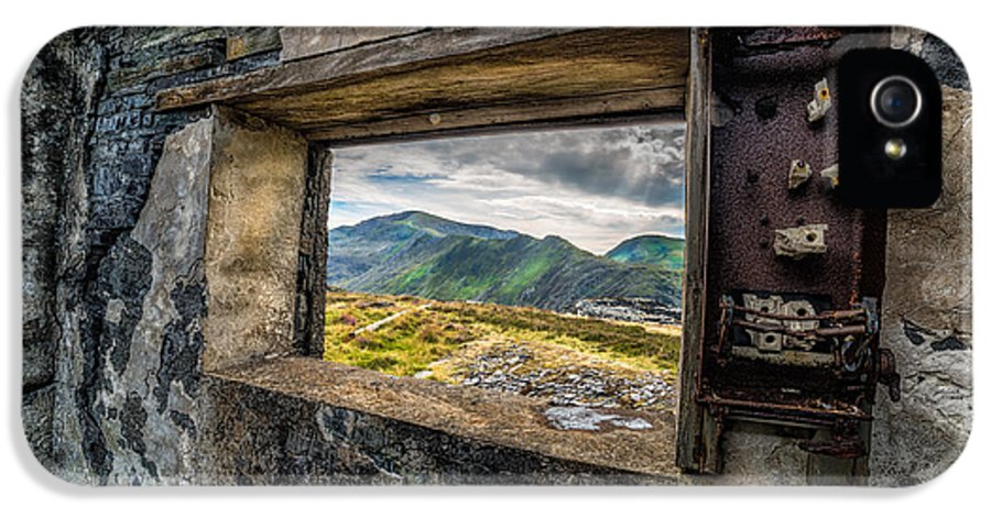 Abandoned IPhone 5 Case featuring the photograph Ruin With A View by Adrian Evans