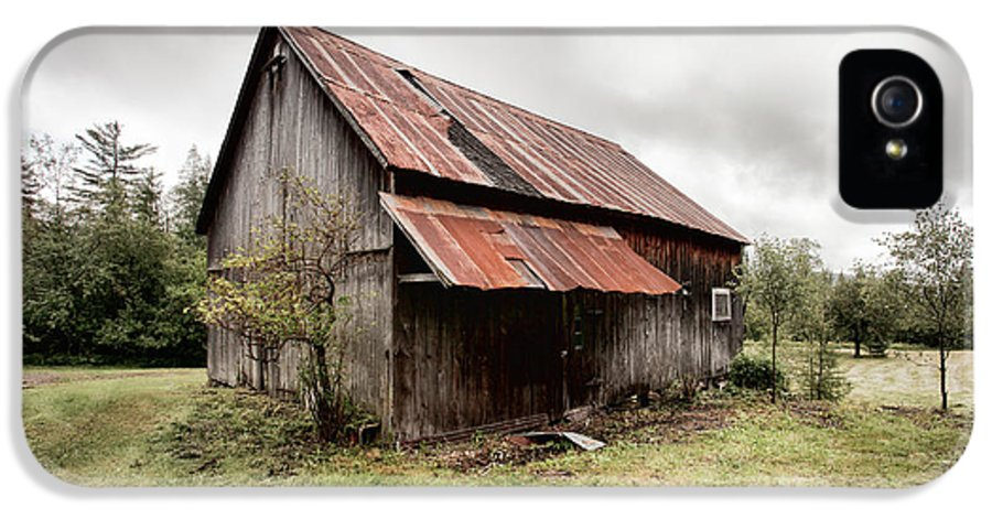 Old Barn IPhone 5 Case featuring the photograph Rusty Tin Roof Barn by Gary Heller