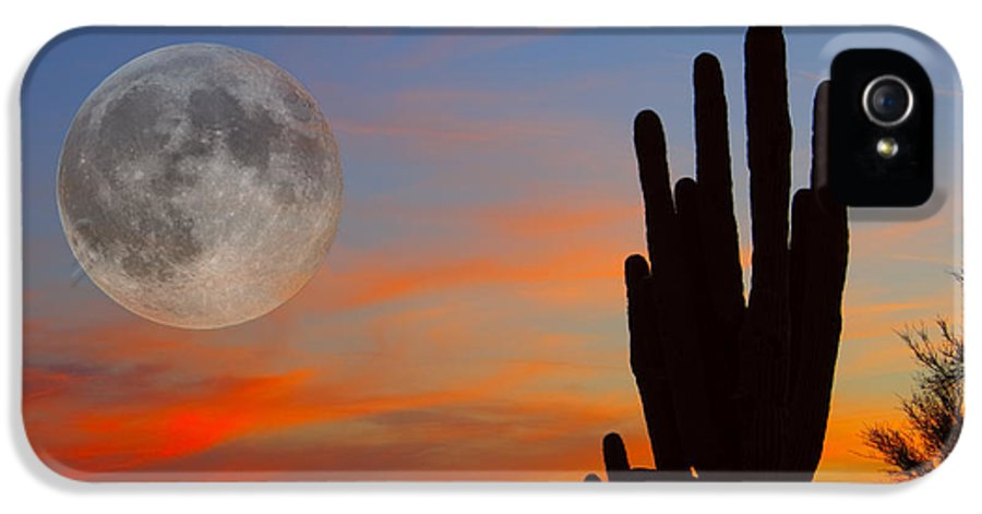 Sunrise IPhone 5 / 5s Case featuring the photograph Saguaro Full Moon Sunset by James BO Insogna