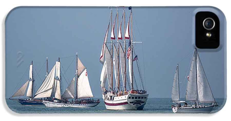Sailing Lake Erie IPhone 5 Case featuring the photograph Sailing Lake Erie by Dale Kincaid