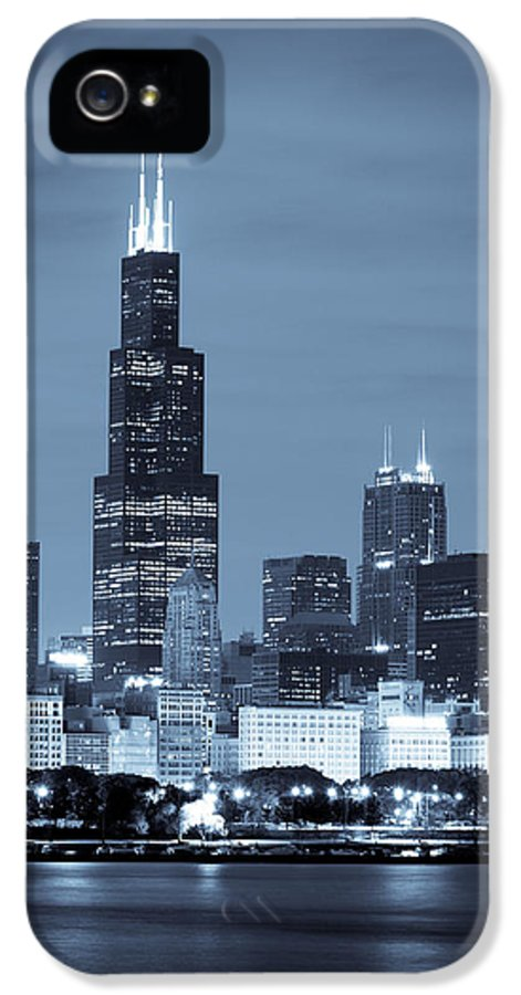 Chicago Skyline IPhone 5 Case featuring the photograph Sears Tower In Blue by Sebastian Musial