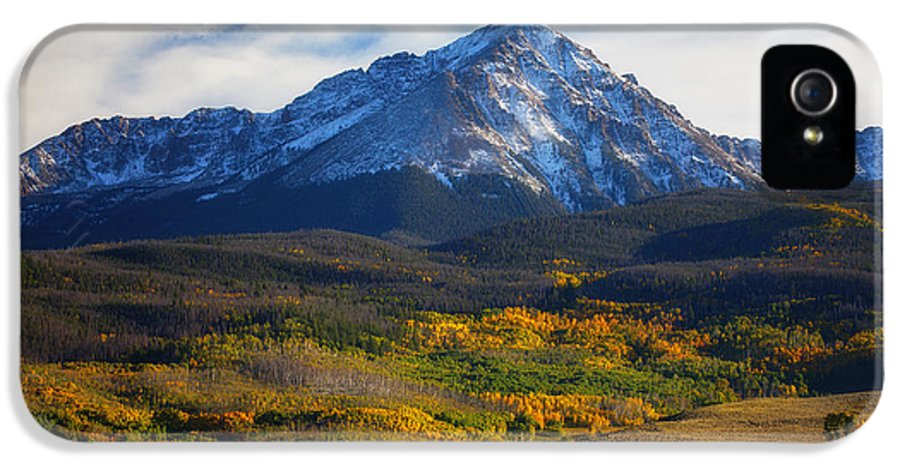 Autumn Landscapes IPhone 5 Case featuring the photograph Seasons Change by Darren White