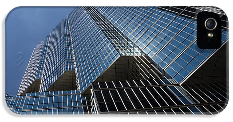 Silver Lines IPhone 5 Case featuring the photograph Silver Lines To The Sky - Downtown Toronto Skyscraper by Georgia Mizuleva