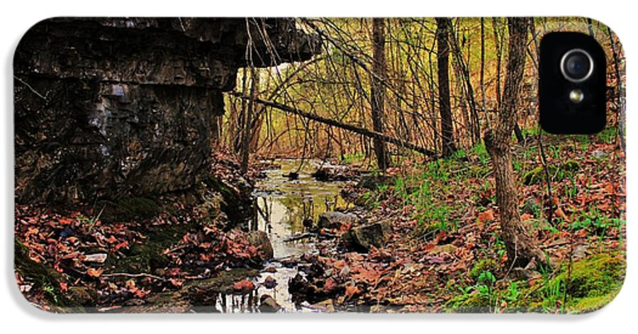 Arkansas IPhone 5 Case featuring the photograph Slate Bottom Creek by Benjamin Yeager