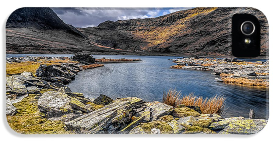Abandoned IPhone 5 Case featuring the photograph Slate Valley by Adrian Evans