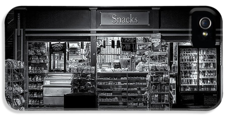 B+w IPhone 5 Case featuring the photograph Snack Shop Bw by Jerry Fornarotto