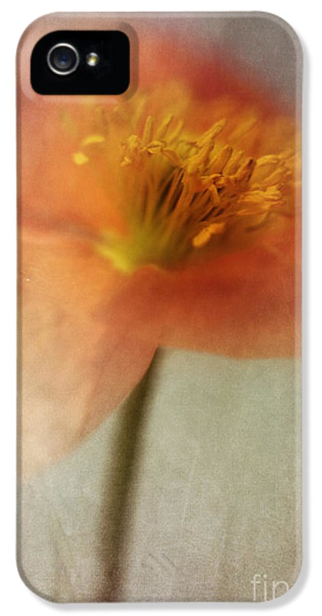 Abstraction IPhone 5 Case featuring the photograph Soulful Poppy by Priska Wettstein