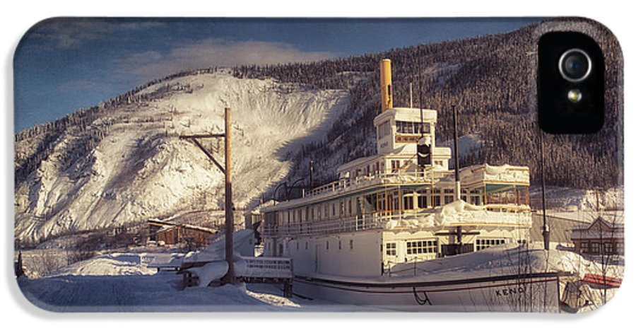 Steamboat IPhone 5 Case featuring the photograph S.s. Keno Sternwheel Paddle Steamer by Priska Wettstein