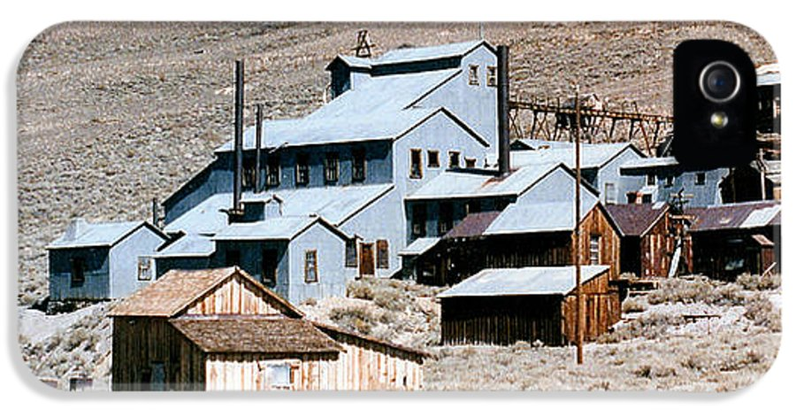 Barbara Snyder IPhone 5 Case featuring the digital art Standard Mill At Bodie Panorama by Barbara Snyder