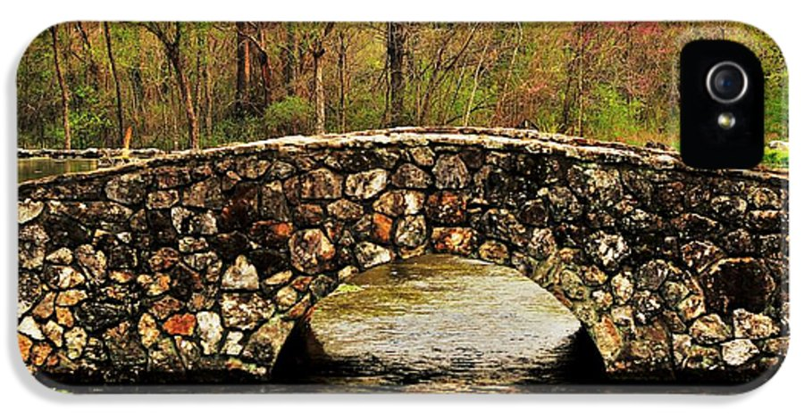 Arkansas IPhone 5 Case featuring the photograph Stone Bridge In The Ozarks by Benjamin Yeager