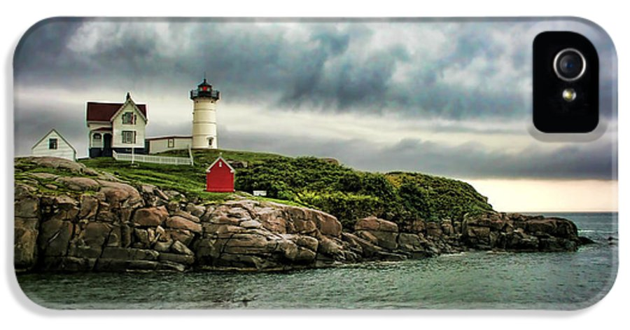 Nubble IPhone 5 / 5s Case featuring the photograph Storm Rolling In by Heather Applegate