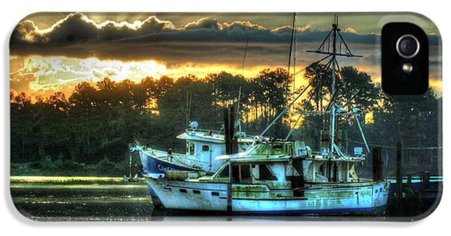 Alabama IPhone 5 Case featuring the digital art Sunrise At Billy's by Michael Thomas