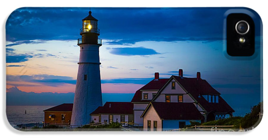 Lighthouse IPhone 5 Case featuring the photograph Sunrise At Portland Head Lighthouse by Diane Diederich
