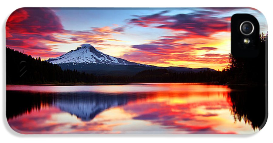 Mount Hood IPhone 5 Case featuring the photograph Sunrise On The Lake by Darren White