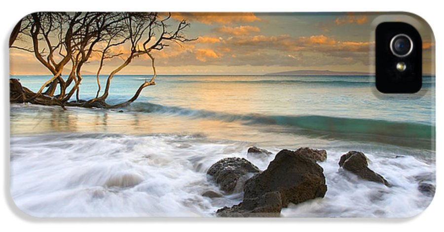 Sunset IPhone 5 / 5s Case featuring the photograph Sunset In Paradise by Mike Dawson