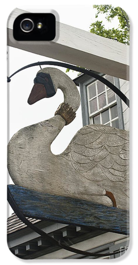 Yorktown IPhone 5 Case featuring the photograph Swan Tavern Sign Yorktown by Teresa Mucha