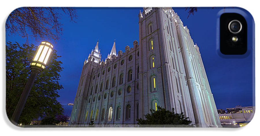 Mormon IPhone 5 Case featuring the photograph Temple Perspective by Chad Dutson