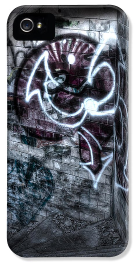 Andrew Pacheco IPhone 5 Case featuring the photograph The Descent by Andrew Pacheco