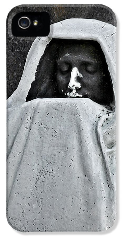 Graveyard IPhone 5 Case featuring the photograph The Face Of Death - Graceland Cemetery Chicago by Christine Till