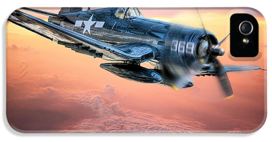 F4u IPhone 5 Case featuring the photograph The Flight Home by JC Findley
