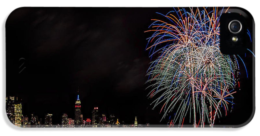 4th Of July IPhone 5 Case featuring the photograph The New York City Skyline Sparkles by Susan Candelario