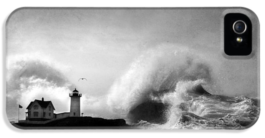 Nubble Lighthouse IPhone 5 Case featuring the photograph The Nubble In Trouble by Lori Deiter