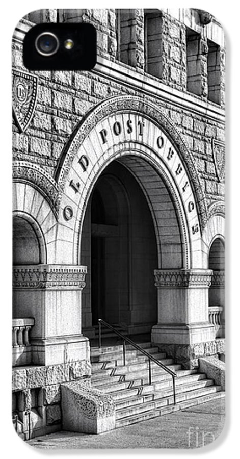 Washington IPhone 5 Case featuring the photograph The Old Post Office Pavilion by Olivier Le Queinec