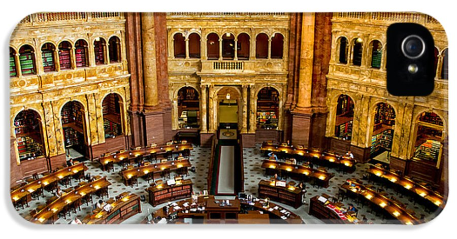 Arlington Cemetery IPhone 5 Case featuring the photograph The Reading Room by Greg Fortier