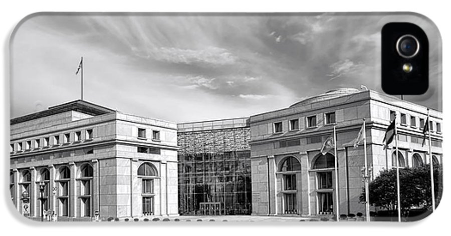 Washington IPhone 5 Case featuring the photograph Thurgood Marshall Federal Judiciary Building by Olivier Le Queinec