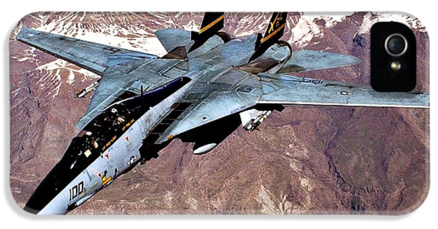 Aircraft IPhone 5 Case featuring the photograph Tomcat Over Iraq by Benjamin Yeager