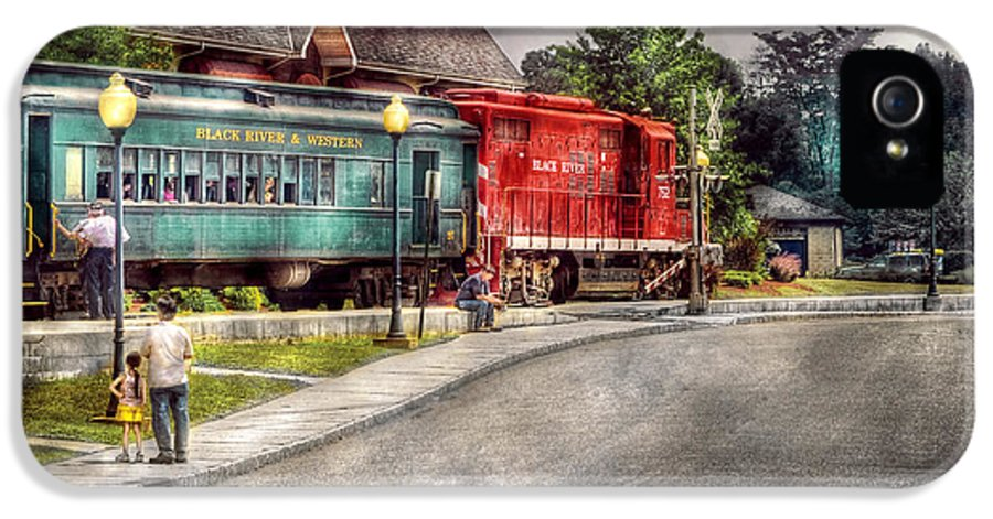 Savad IPhone 5 Case featuring the photograph Train - Engine - Black River Western by Mike Savad