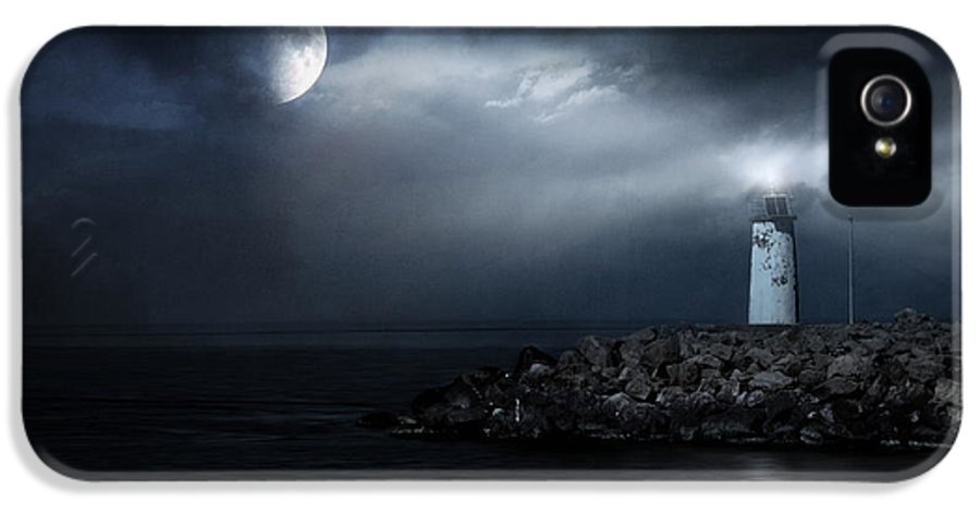 Lighthouse IPhone 5 Case featuring the photograph Tres Deseos by Taylan Apukovska
