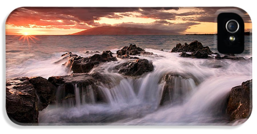 Hawaii IPhone 5 Case featuring the photograph Tropical Cauldron by Mike Dawson