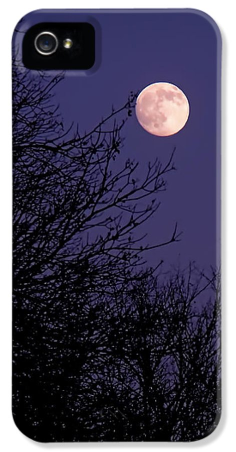 Full Moon IPhone 5 / 5s Case featuring the photograph Twilight Moon by Rona Black