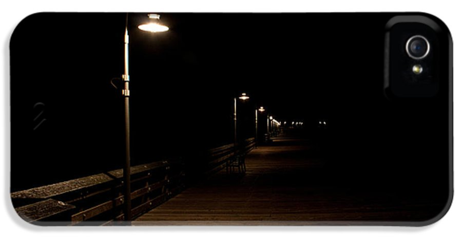 Ventura IPhone 5 Case featuring the photograph Ventura Pier At Night by John Daly