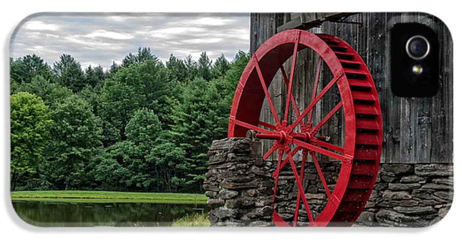 Grist IPhone 5 Case featuring the photograph Vermont Grist Mill by Edward Fielding