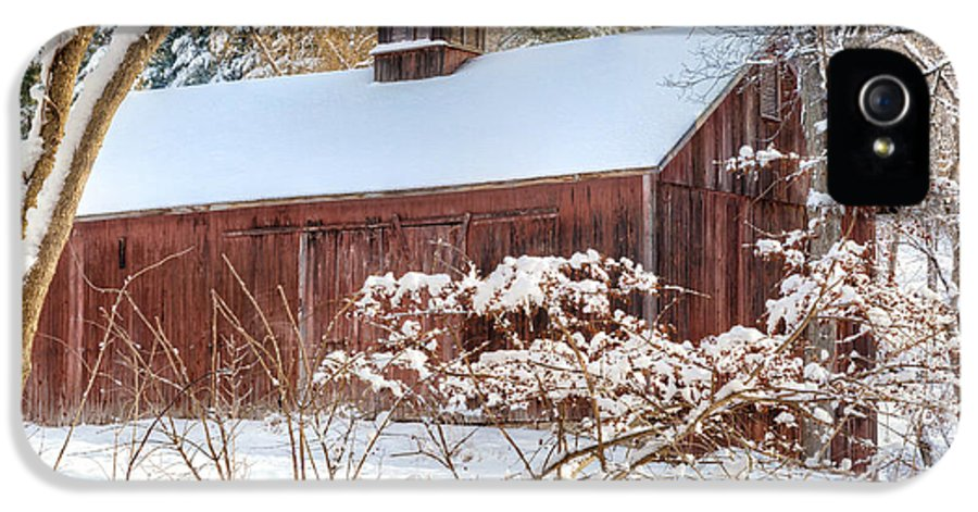 Old Red Barn IPhone 5 Case featuring the photograph Vintage New England Barn by Bill Wakeley