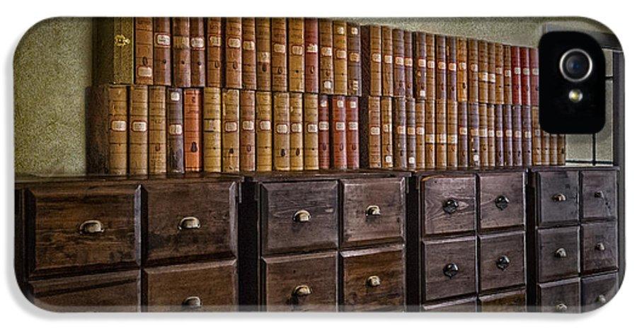 Susan Candelario IPhone 5 Case featuring the photograph Vintage Storage by Susan Candelario