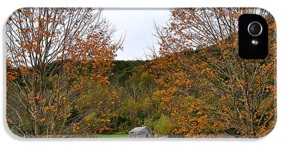 Virginia IPhone 5 Case featuring the photograph Virginia Fall by Todd Hostetter