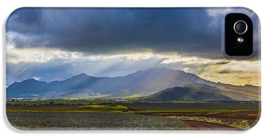 Pineapple Field IPhone 5 Case featuring the photograph Waianae Mountains Of Oahu Hawaii by Diane Diederich