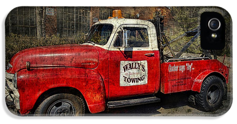 Tow Truck IPhone 5 Case featuring the photograph Wally's Towing by David Arment