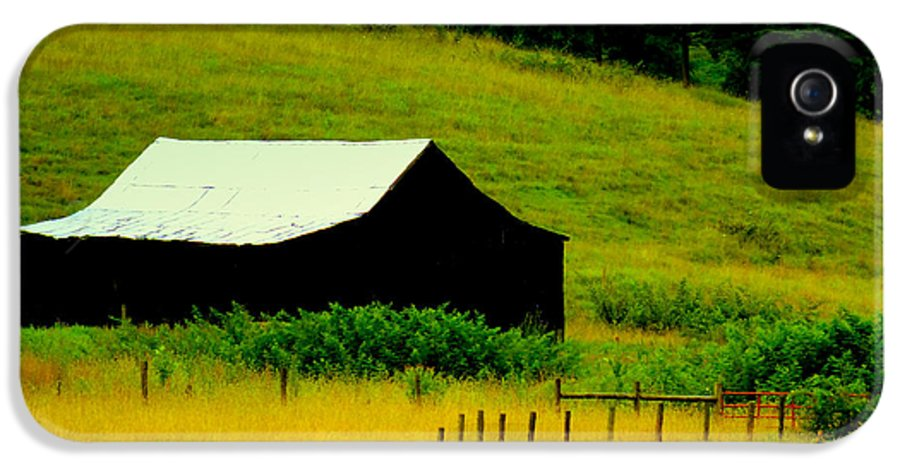 Barns IPhone 5 Case featuring the photograph Way Back When by Karen Wiles