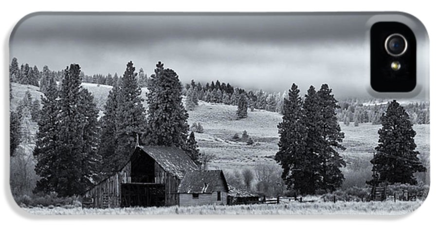 Barn IPhone 5 Case featuring the photograph Weathered Beneath The Storm by Mike Dawson