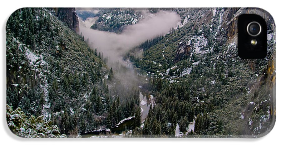 Yosemite IPhone 5 Case featuring the photograph Western Yosemite Valley by Bill Gallagher
