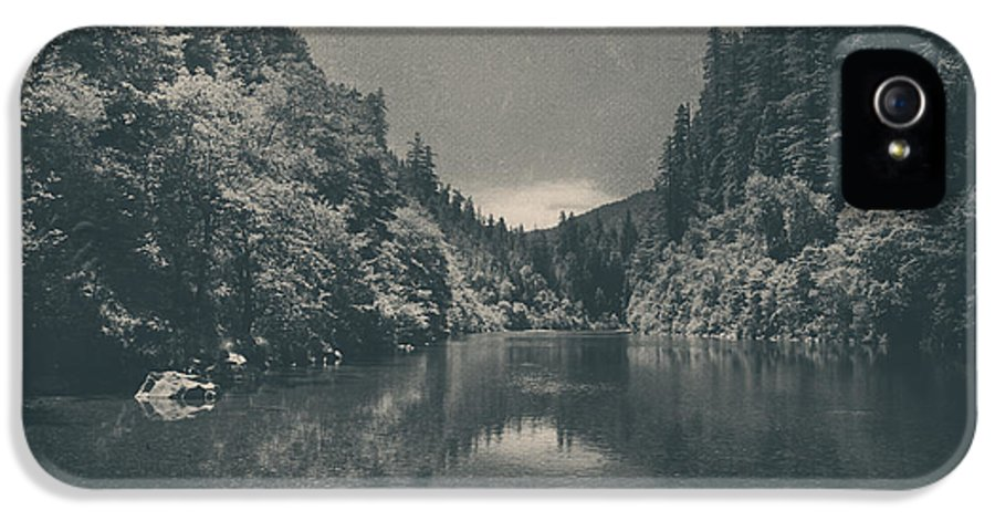 Eel River IPhone 5 Case featuring the photograph When I Felt Your Heart Beat With Mine by Laurie Search