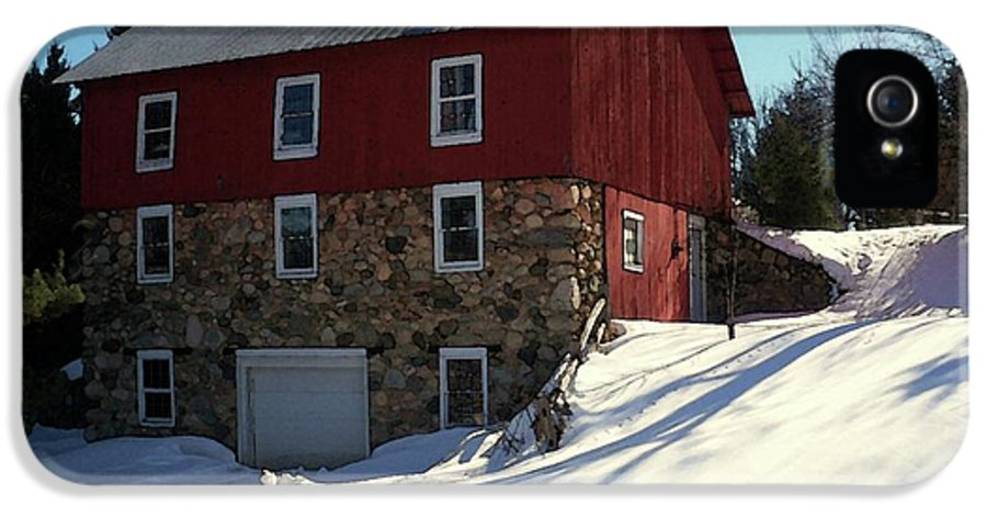 Stone Barn IPhone 5 Case featuring the photograph Winery Barn In Winter by Desiree Paquette