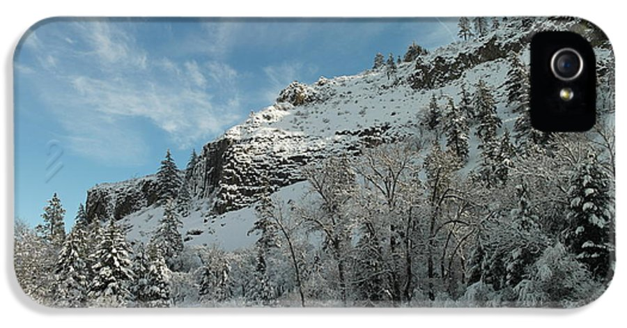 Tieton River IPhone 5 Case featuring the photograph Winter Scene by Jeff Swan
