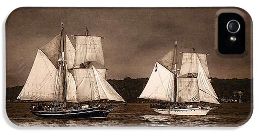 Playfair IPhone 5 Case featuring the photograph With Full Sails by Dale Kincaid